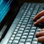 Rośnie popyt na odzyskiwanie danych z urządzeń mobilnych Rośnie popyt na odzyskiwanie danych z urządzeń mobilnych Fotolia Laptop dla programisty 1 medium 150x150
