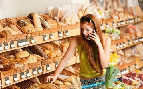 sklepy za pomocą telefonu śledzą twoje ruchy Sklepy za pomocą telefonu śledzą Twoje ruchy Zakupy 2014 medium 500x310