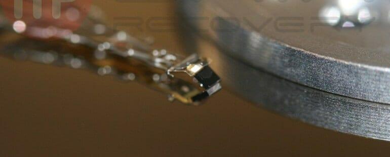 uszkodzona głowica dysku Samsung SP1203N samsung sp1203n po upadku Samsung SP1203N po upadku IMG 8741   redni 770x310