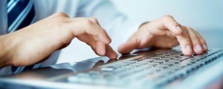 businessman-typing-s2-ad7a8c2c6cfcb70f2aa3b44545ea46f4-450x180 Firmy coraz częściej wykorzystują narzędzia informatyki śledczej