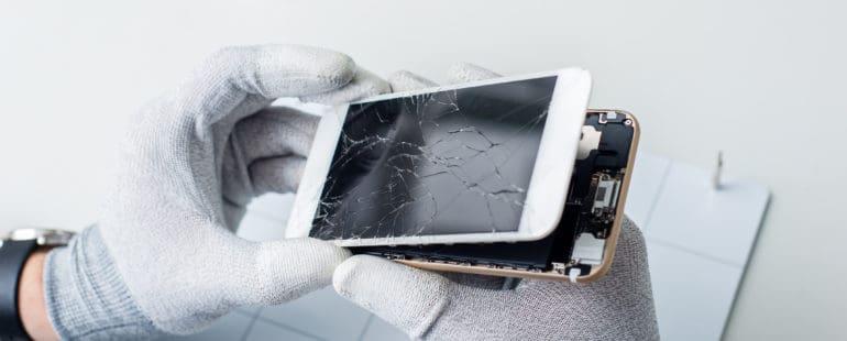 naprawa-smartfona-57657639_xxl-770x310 ODZYSKIWANIE DANYCH Z TELEFONÓW KOMÓRKOWYCH I SMARTFONÓW