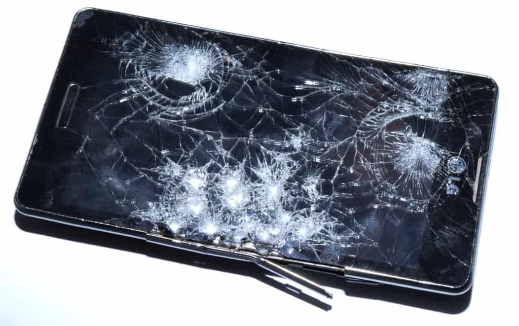 1-1024x643 ODZYSKIWANIE DANYCH Z TELEFONU, KTÓRY WPADŁ POD KOŁA SAMOCHODU